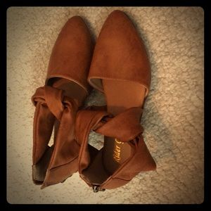 Shoes - Twist ankle leather flats